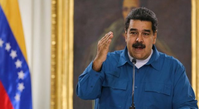 Maduro dice que EU busca asesinarlo para imponer dictadura
