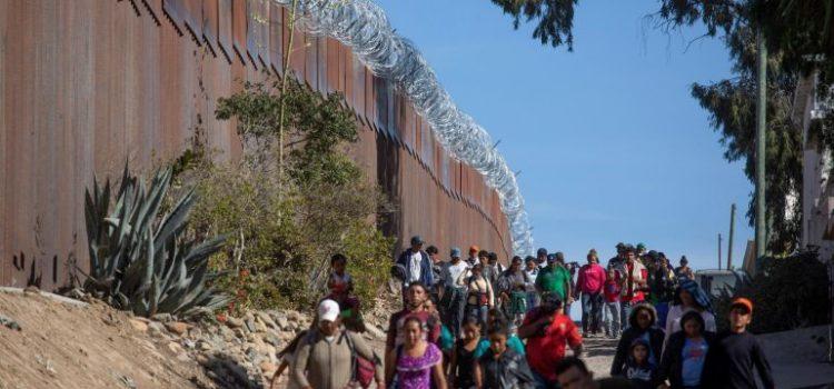 México permitirá a migrantes que piden asilo en EU permanecer en el país