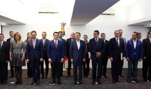 Gobernadores del país, cierran filas con el Gobierno de la República para combatir eficazmente la inseguridad
