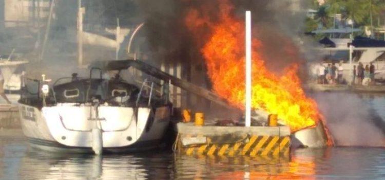 Embarcación explota en el Club de Yates de Acapulco