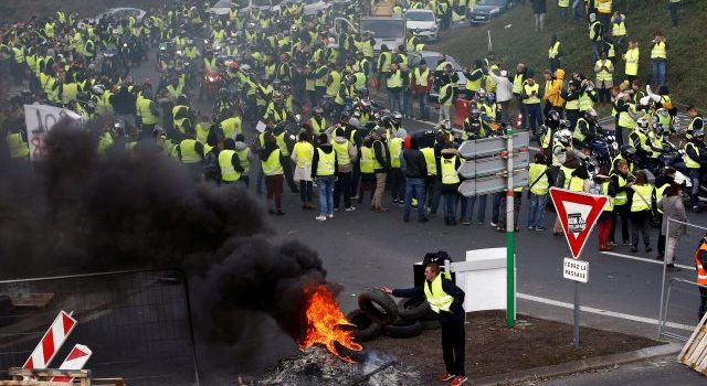 Protestas contra gobierno de Macron se intensifican en Francia