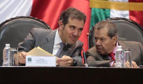Consejeros del INE se bajan 500 mil pesos su sueldo anual