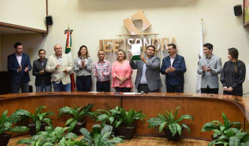Entregan constancia que acredita a Nueva Alianza Sonora como partido local