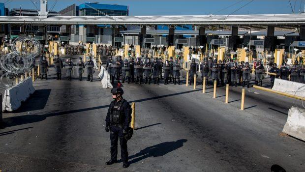 """Acogerá México a migrantes devueltos de manera """"unilateral"""" por EU"""