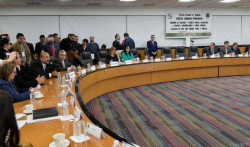 Titulares de Energía y Pemex no asisten a su comparecencia