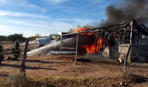 Se incendia en Hermosillo bodega clandestina de gasolina