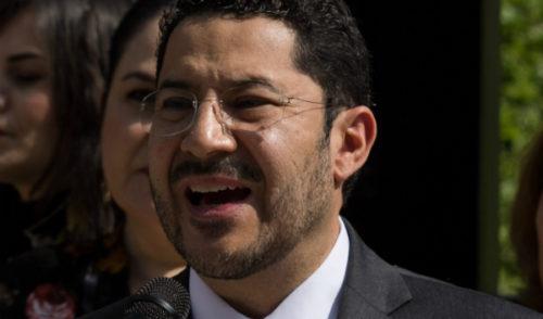 """Martí Batres rechaza """"exceso"""" de la Cámara de Diputados al recorte del INE"""