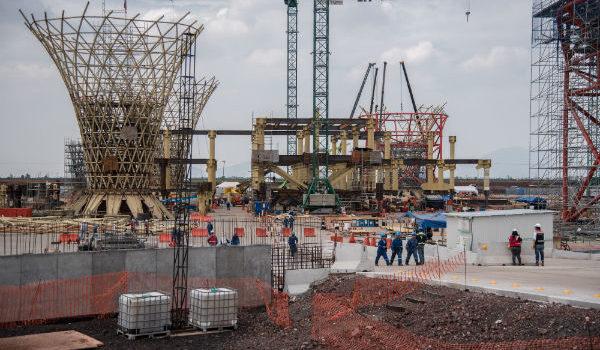 Grupo Aeroportuario cancela 10 de los más importantes contratos del NAIM; con Sedena uno
