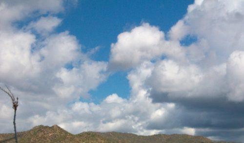 Baja probabilidad de lluvia y condiciones de cielo medio nublado: clima de hoy en Sonora