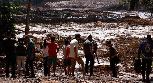 Reportan 7 muertos tras colapso de represa minera en Brasil