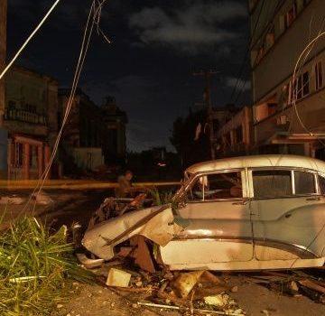 Fuerte tornado azota en Cuba, deja 3 muertos y cientos de heridos