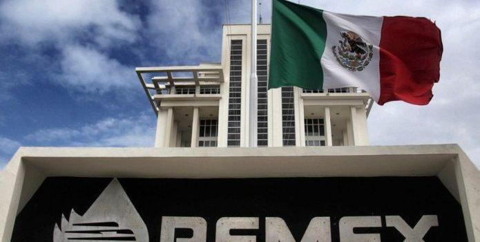 Funcionarios de Pemex vinculados a la Estafa Maestra dejarán cargo
