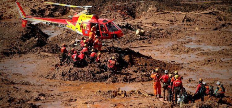 Sube a 65 la cifra de muertos por deslave en mina de Brasil