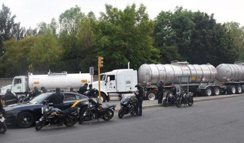 Gobierno busca traer pipas de Texas para abastecer de gasolina a estados del norte