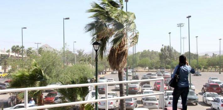 Se mantienen temperaturas frescas en Sonora con rachas de viento de hasta 50 km/h