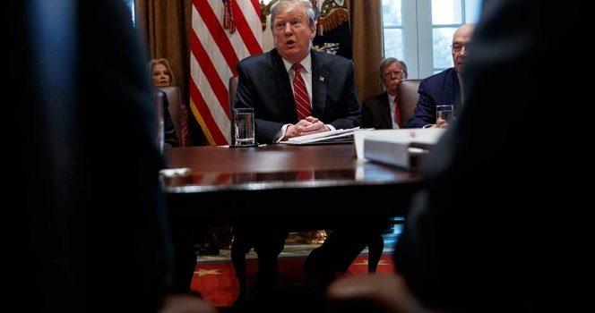 'Tengo plan B, C y D para Venezuela', advierte Trump a Maduro