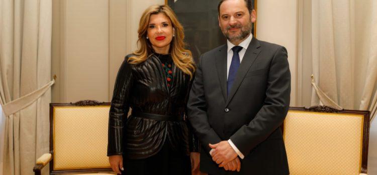Expone Gobernadora ventajas competitivas de Sonora ante Ministro de Fomento en España