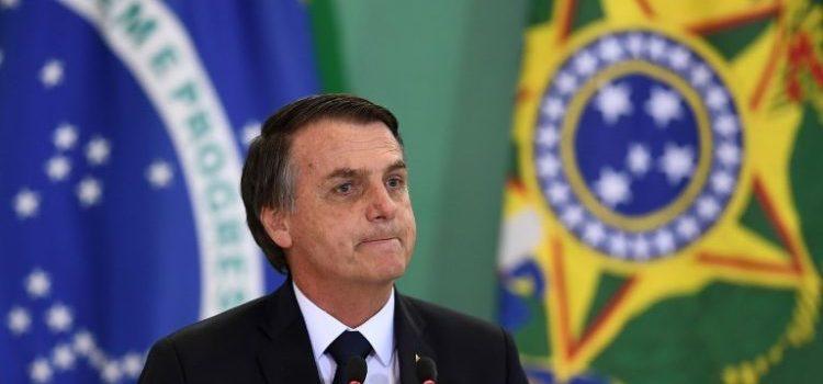 Fuera homosexualidad y marxismo de los libros de texto en Brasil