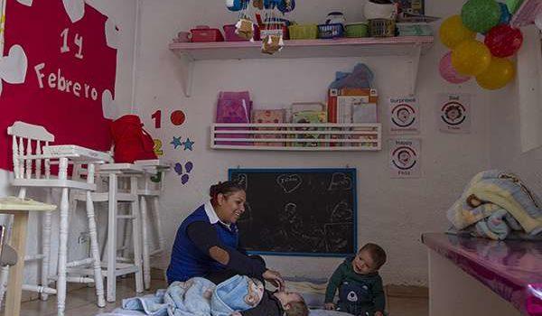 Trabajadoras de estancias infantiles presentan queja ante la CNDH