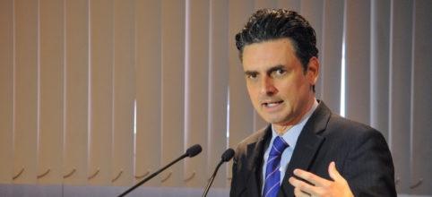 """""""No tengo acciones en ninguna empresa"""", dice presidente de la CRE ante señalamiento de AMLO"""