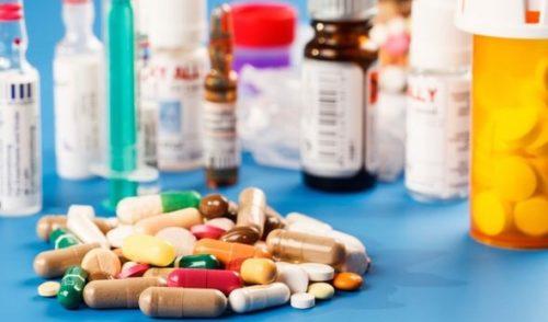 Morena busca regular el precio de medicamentos
