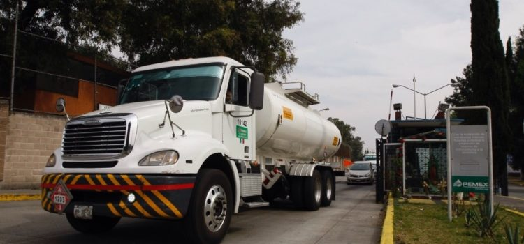 Pemex reduce 17% la importación de gasolinas en enero