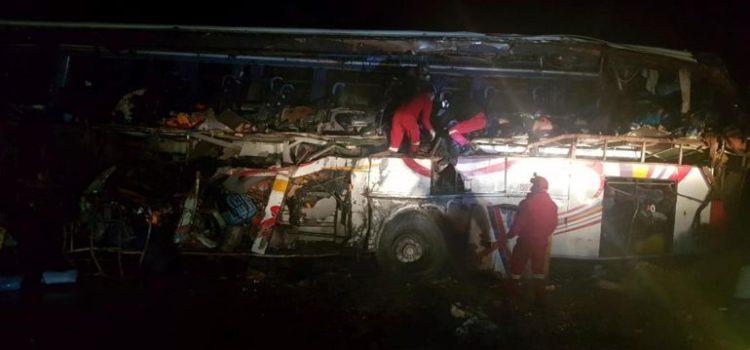 Accidente vial en Bolivia deja 24 muertos y una docena de heridos
