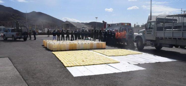 Incautan 630 kilos de cocaína en embarcación en Sinaloa
