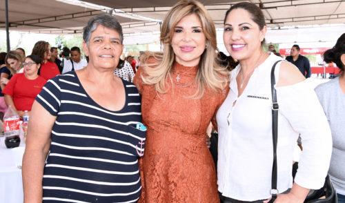 Brinda capacitación más oportunidades a las familias: Gobernadora