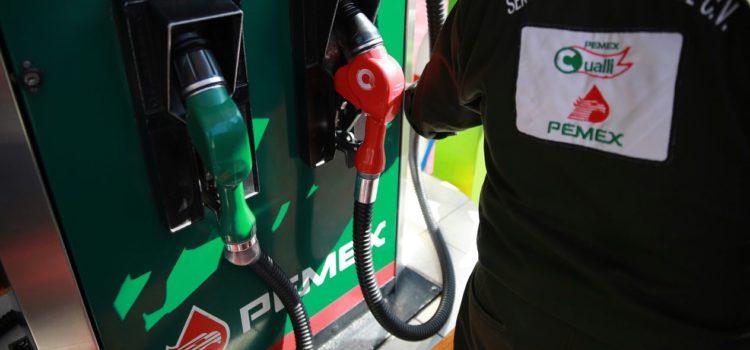 Hacienda quiere que pagues menos por la gasolina y sube el estímulo para la Magna de 1.95% a 15.72%