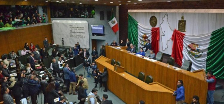 Aprueban en Nuevo León derecho a la vida desde la concepción