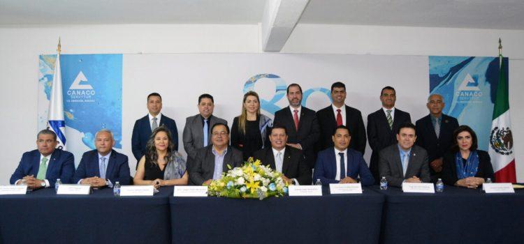 Toma protesta alcalde Mariscal Alvarado a nueva Mesa Directiva de CANACO SERVYTUR Ciudad Obregón