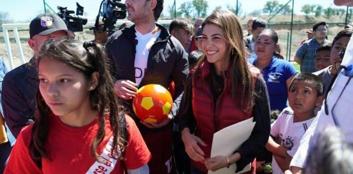 Entrega Sylvana Beltrones obra de Unidad Deportiva Bicentenario de Nogales