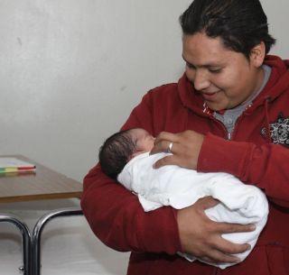 Prueba de tamiz neonatal no está suspendida: Salud