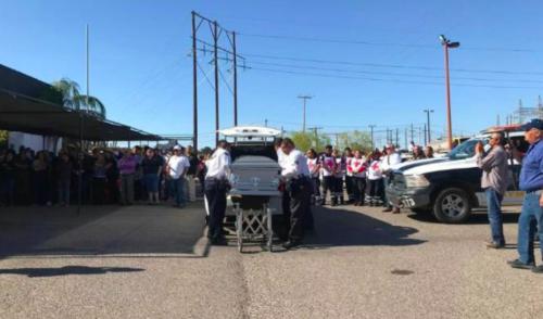 Despiden familiares y compañeros a Policía asesinado en Guaymas