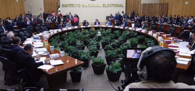 En elección de 2021 mexicanos en EU podrán emitir voto electrónico