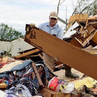 Tornados provocan tres muertes en el sur de EU