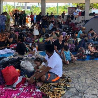 México deporta a 204 migrantes hondureños