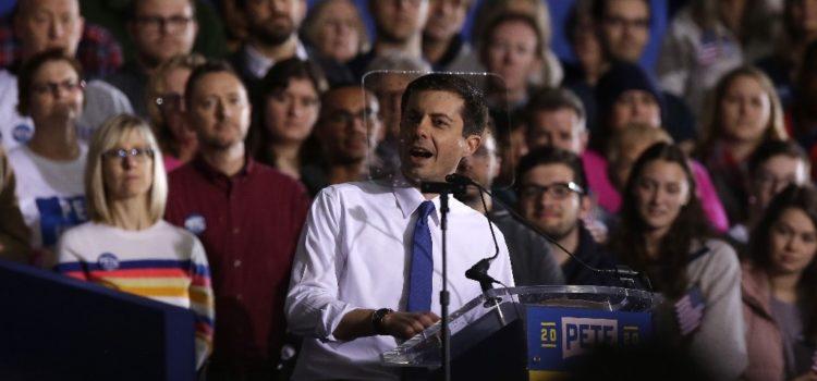 Alcalde gay de Indiana lanza su candidatura presidencial en EU