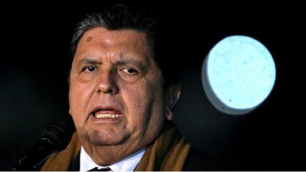 Expresidente de Perú se pega un tiro para evitar arresto por caso Odebrecht