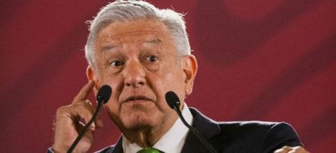 Dio AMLO golpe a la Constitución con memorándum contra reforma educativa: Carbonell