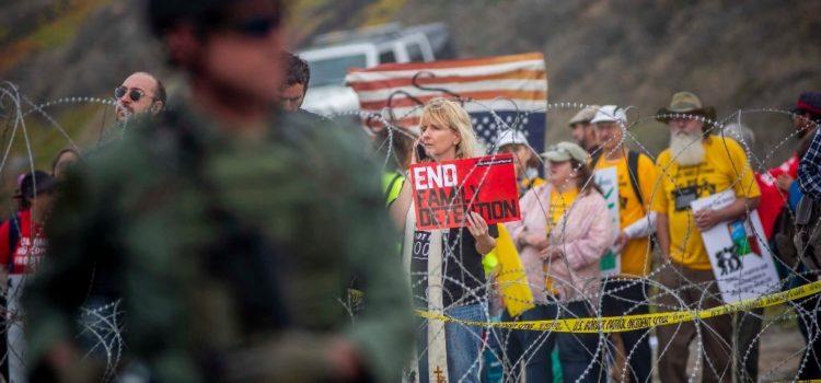 Corte de EU falla en favor de leyes que protegen a inmigrantes