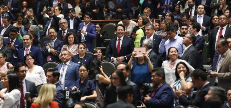 Diputados aprueban en lo general la reforma educativa