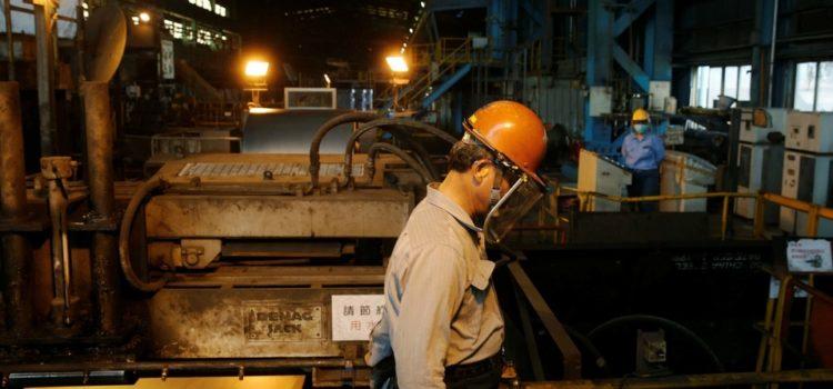 Economía mexicana cae en primer trimestre del año