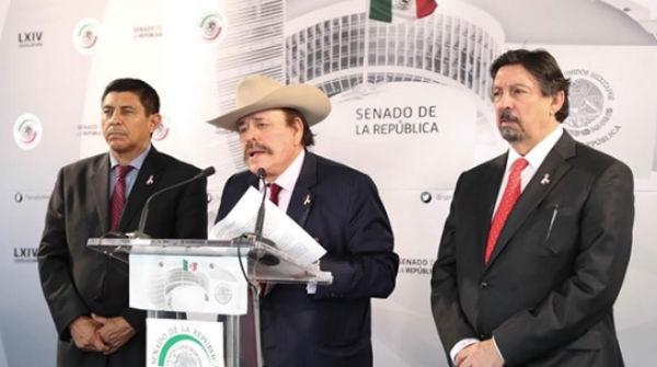 Senadores polémicos legislan, pero poco
