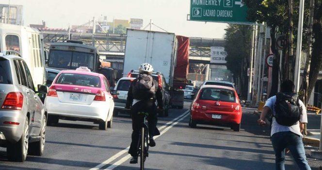 Hoy no circulan vehículos con engomado rojo