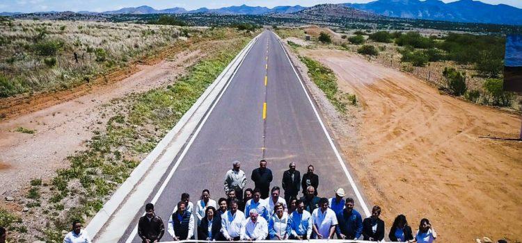 Entregan Gobernadora y Grupo México rehabilitación de carretera, becas y ambulancia en municipios de la Zona Económica Especial del Río Sonora