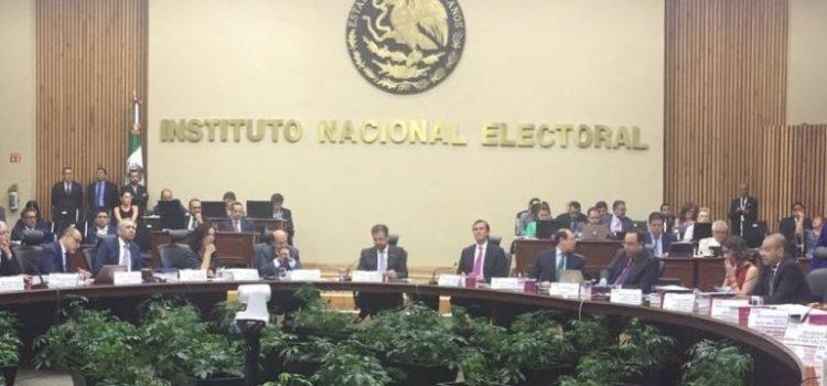 """Lorenzo Córdova: INE no ordenó cancelar """"mañaneras"""" ni bloqueo a red social"""