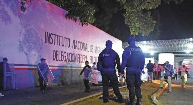 Migrantes retan a la autoridad en México