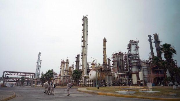 Hacienda prepara medidas adicionales de apoyo para Pemex